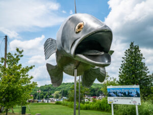 Metal fish monument named Pisces Pete seen from head on