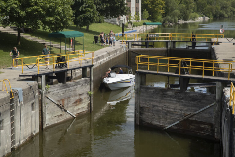 Lock 33 in Lindsay in the process of opening